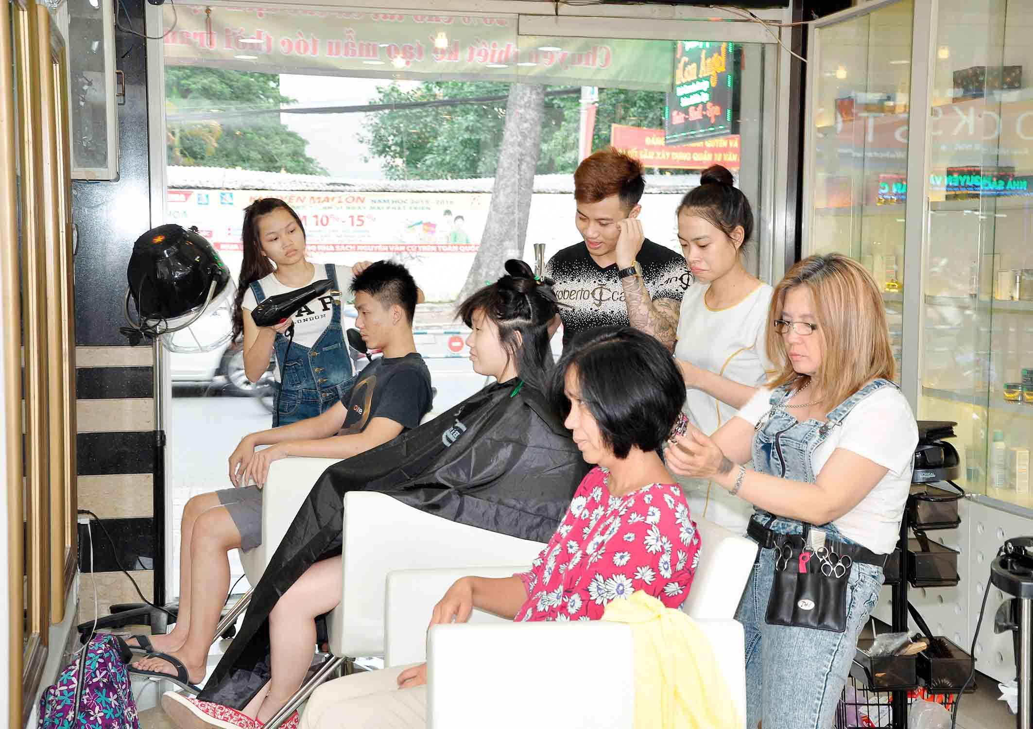 Khóa tạo mẫu tóc chuyên nghiệp